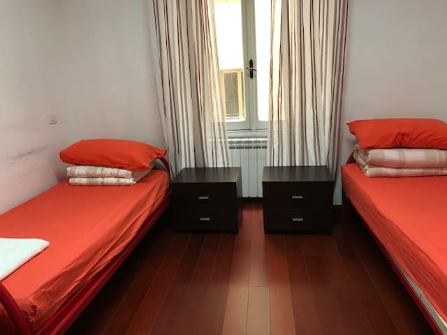 Bed in Mixed Dormitory Room and WIFI