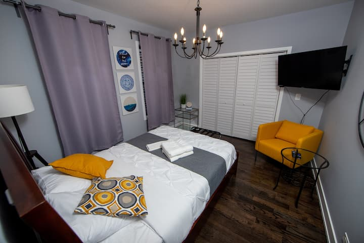 2F/Sanitized/Fast Wifi/Comfy bed/Private room