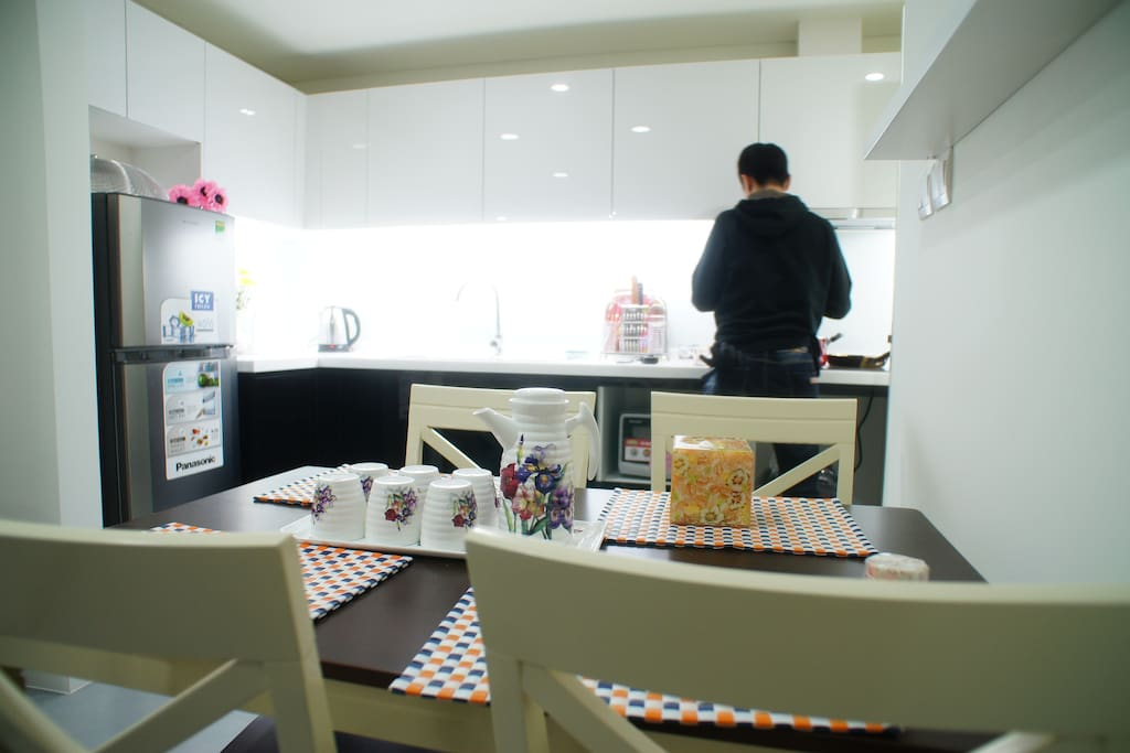 Fully Operate Kitchen with electric cooker hob, Microwave oven, Fridge, Rice cooker...