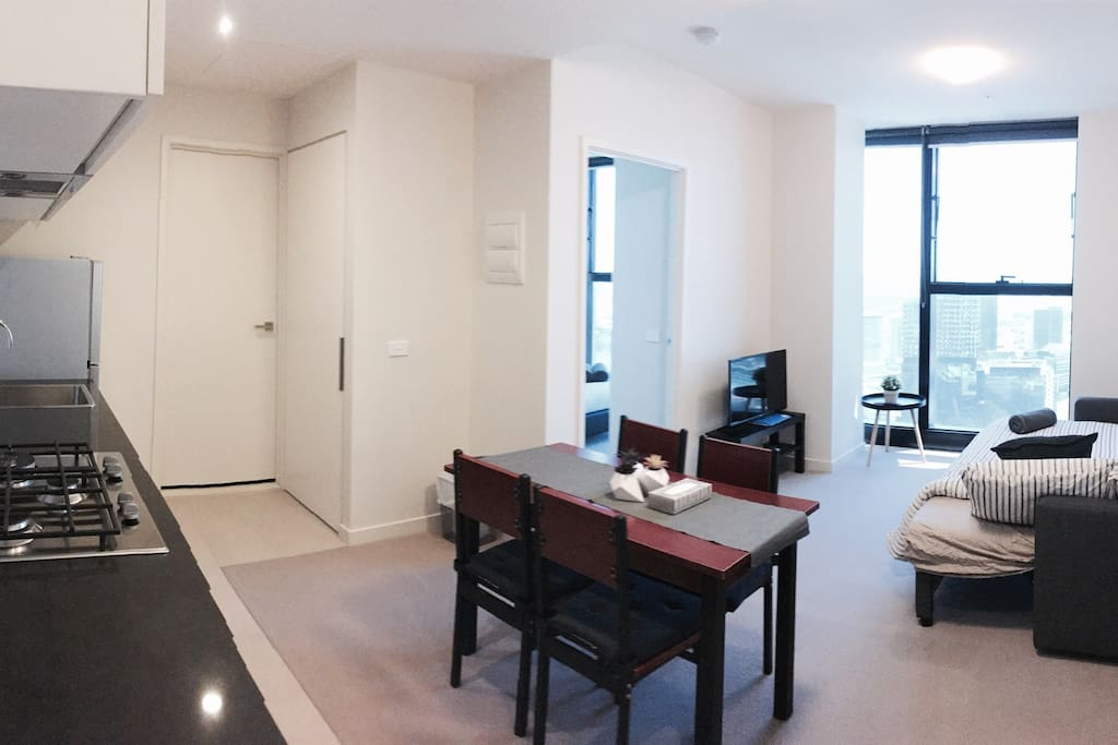 Spectacular Cbd Views One Bedroom With Free Wifi Apartments For Rent In Melbourne Victoria