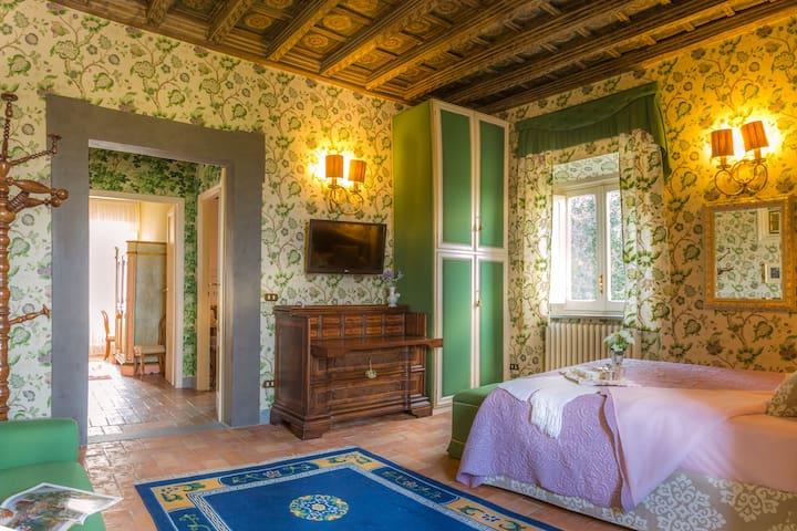 Suite @ Casina degli Specchi, Historic house