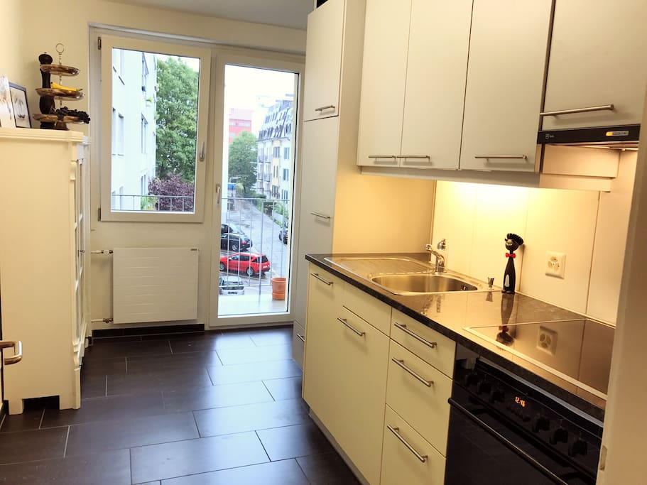 fully equipped kitchen with dishwasher & balcony