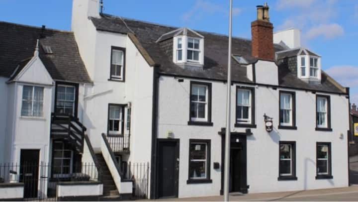 Southesk Inn Montrose, 2 bed flat