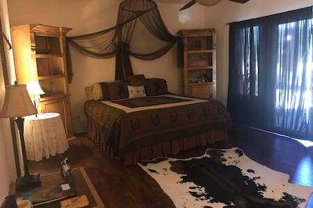 San Diego County-Rancho Cielo Azul-Western Room