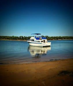 Numberfiveboatcaptain - Pottsboro