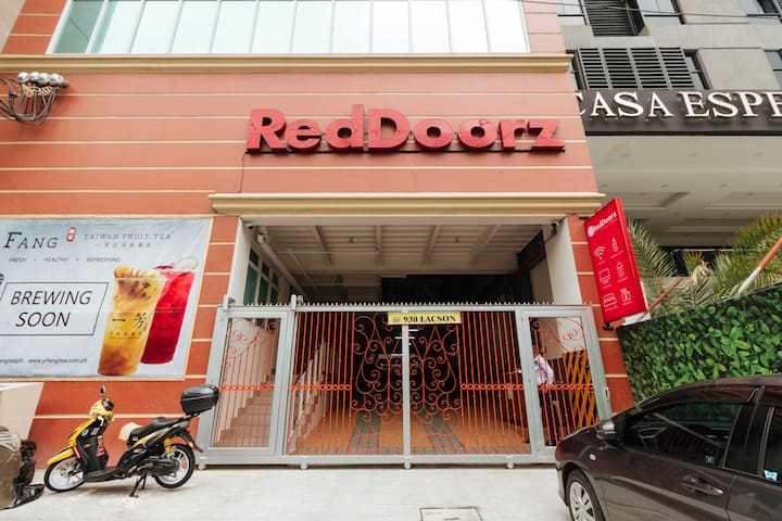305 RedDoorz Plus near UST Manila