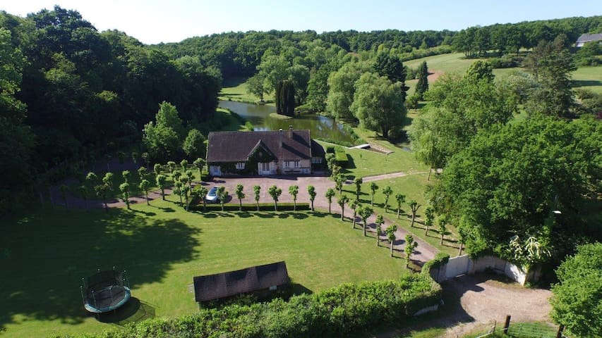 9 acres, private 6 hole golf course