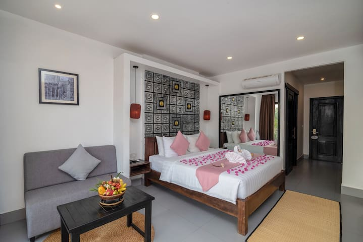 Bedroom and Siting Area