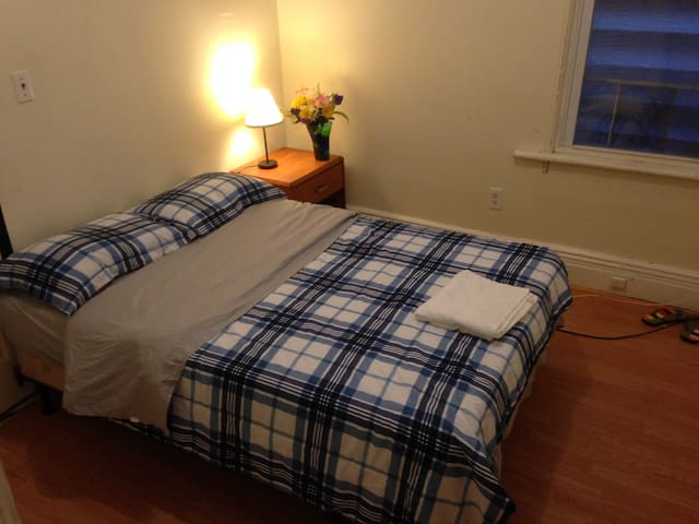 56#2,mins to NYC,walk to bus no fee,free to cancel