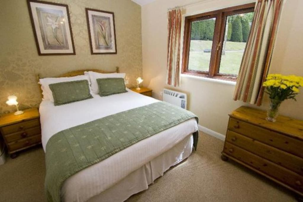 Wychnor Park Country Club Second Bedroom