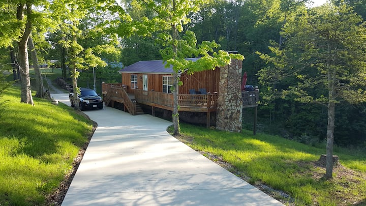 Cedar Cabin-Great Staycation Getaway in Lynchburg