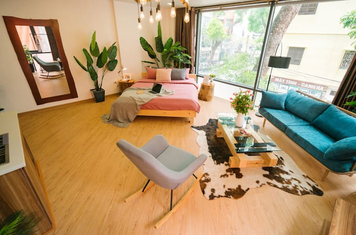Imagine yourself merging in this beautiful room with panoramic view