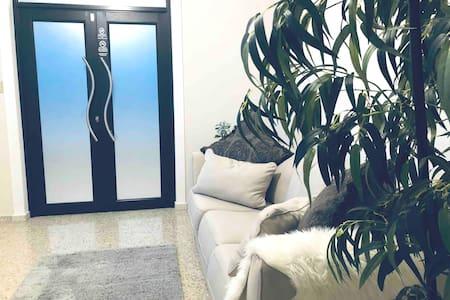 Luxury big apartment in PR-2. A/C  Wi-Fi