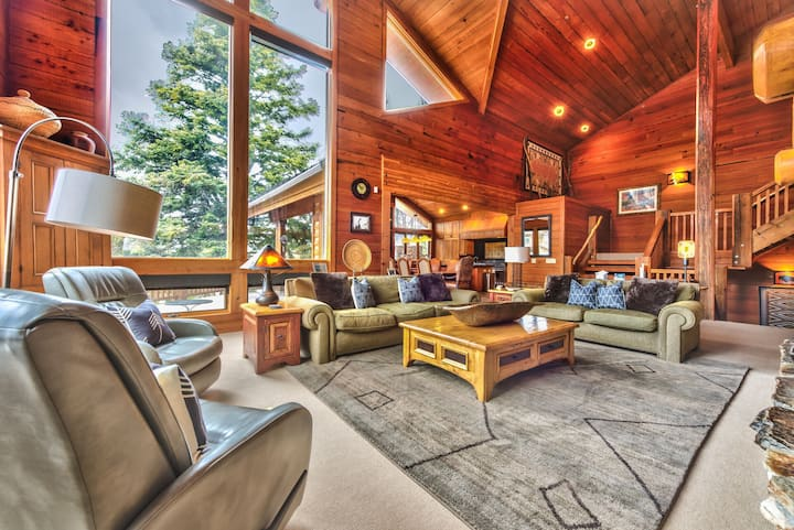Deer Valley Silver Lake Mansion-Lavish Mountain Abode, Moments to Slopes