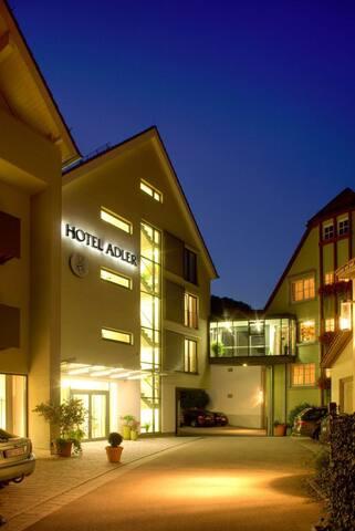 Hotel Adler (Nagold), Einzelzimmer mit Dusche und WC
