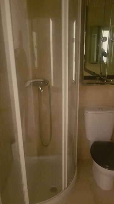 Ducha del cuarto de baño principal