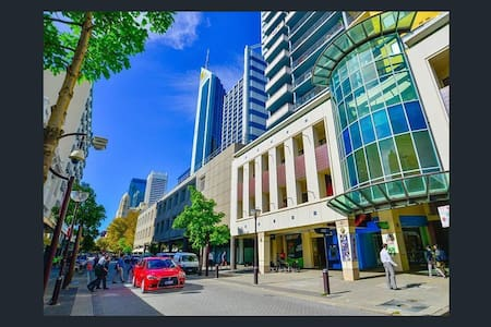 Perth CBD - 1*1 Apartment  811 Hay St - Perth