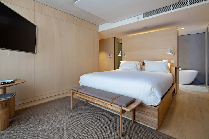 Sky Room with Bath - In the heart of  Sydney CBD
