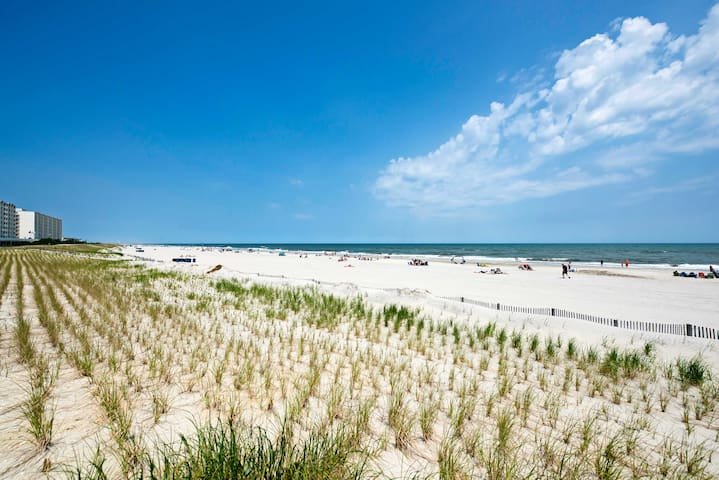 This property is the perfect home-base for all your East Coast excursions.
