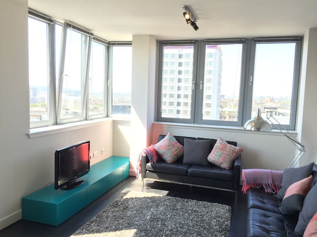 Modern city centre apartment with panoramic views.