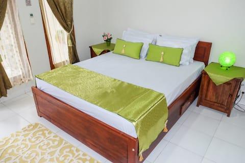 Nice Room near Komodo Airport , Beach Labuan Bajo