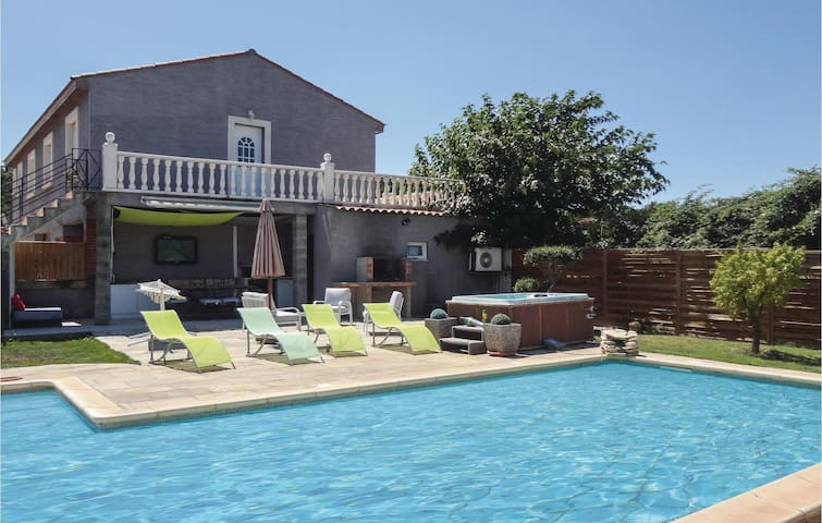 Holiday cottage with 3 bedrooms on 120m² in Beziers