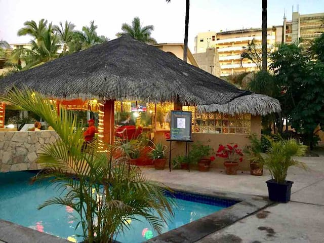 In the heart of Cabo, 3 minutes from Médano beach!