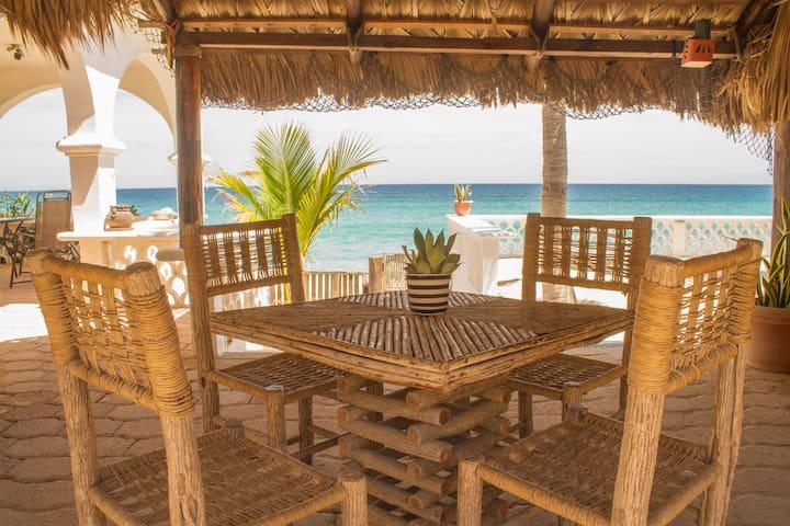 Palo de Arco Dinning area