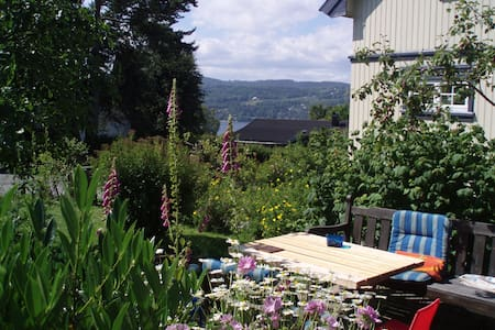 Old romantic house with large garden in Drøbak