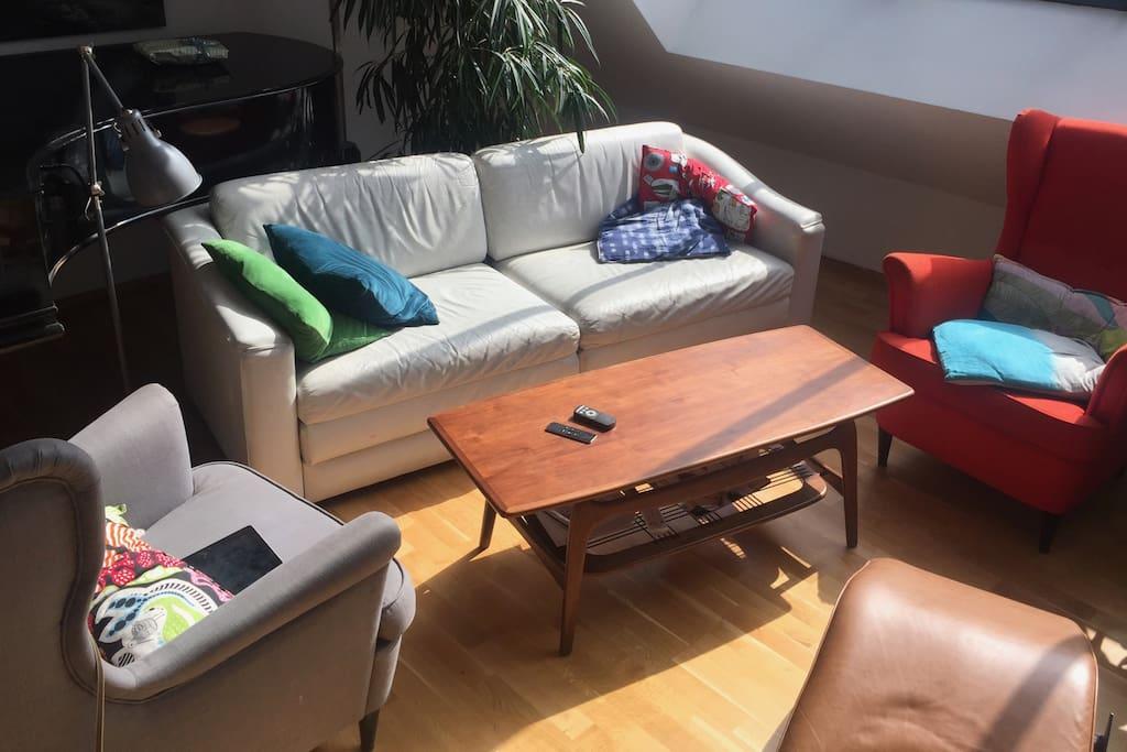 luxuri se maisonette mit weitblick wohnungen zur miete in augsburg bayern deutschland. Black Bedroom Furniture Sets. Home Design Ideas