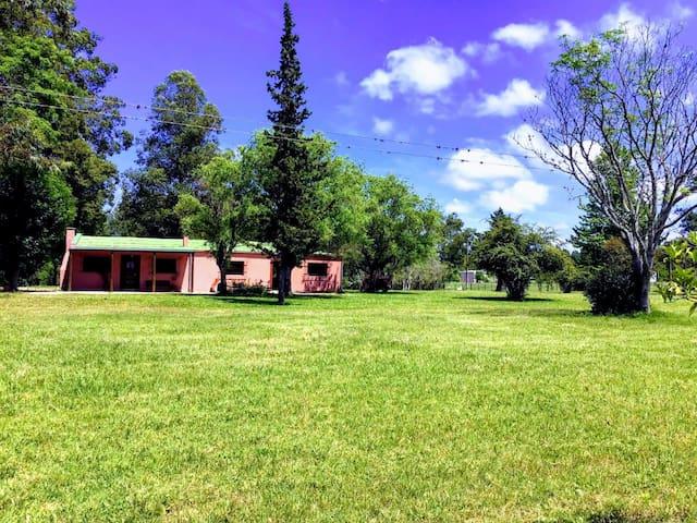 """Casa de Campo """"La Martina"""" Villa Elisa 2 Hectareas"""