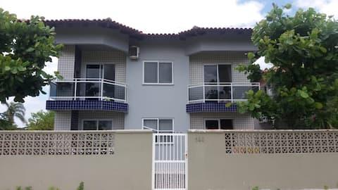 Excelente apartamento à 300 m da praia do Mariscal