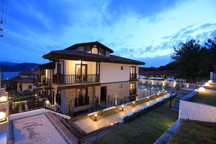 Verde Suites Akyaka Hillside No:10 - 2+1 Dublex