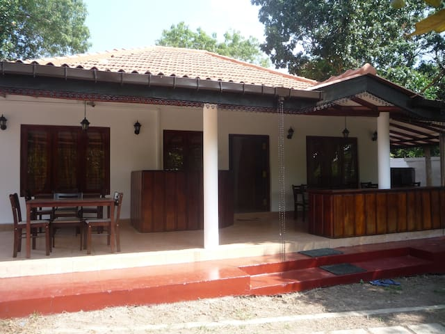 Eco beach villa & Home stay - Tangalle - House
