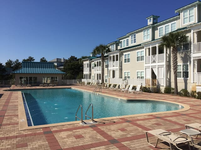 NEW to airbnb Blue Mountain Beach on 30A