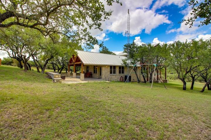 Texas Hill Country Getaway- Johnson City, Texas