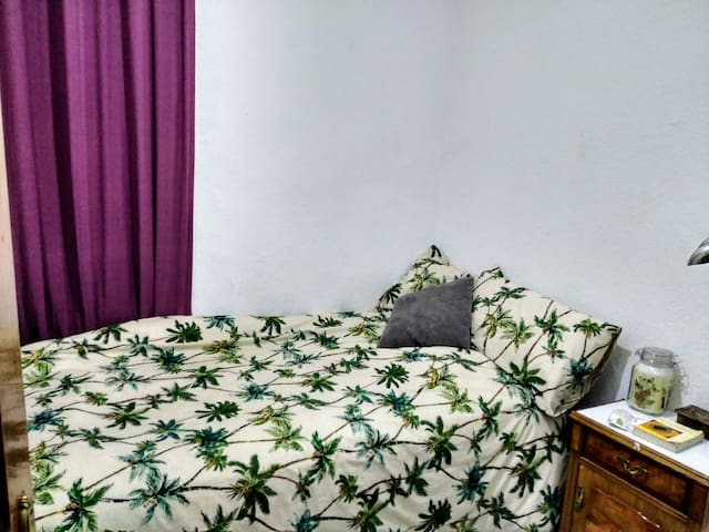 Double Room with Balcony close to Madrid center - Madrid - House