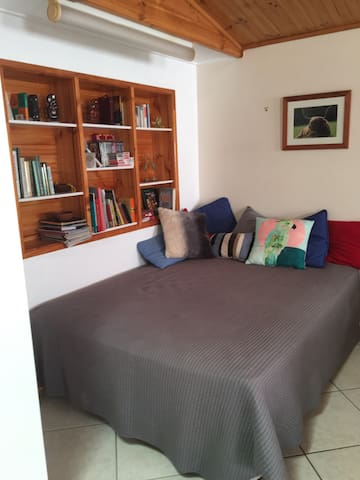Large apartment in tropical gardens - Townsville - Daire