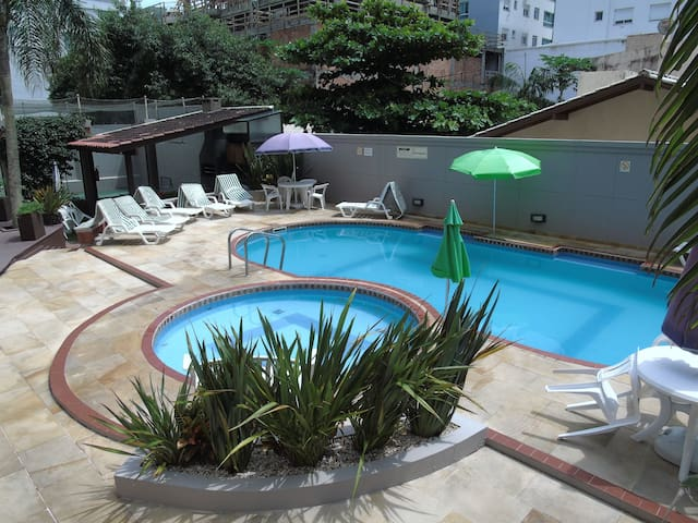 1 bedroom with garage, swimming pool, one block from the sea