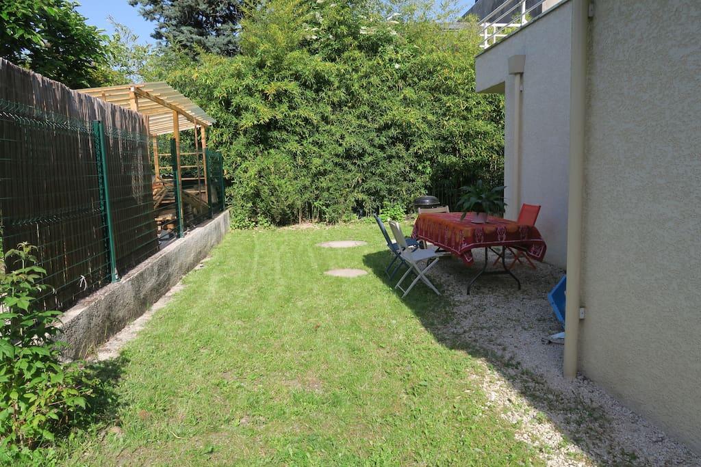 Le jardin pour les barbecue