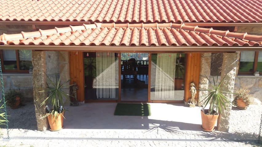 BASTUZ Guest House - Celorico de Basto
