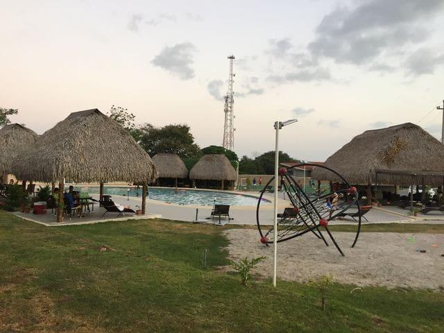 Se alquila casa en Coronado - Playa Coronado - House