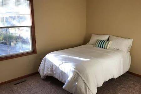 1 bedroom - Clean, Comfy, Convenient to PSU - Port Matilda