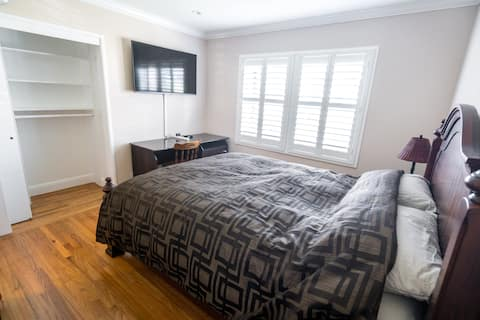 Newly Remodeled Private Bedroom
