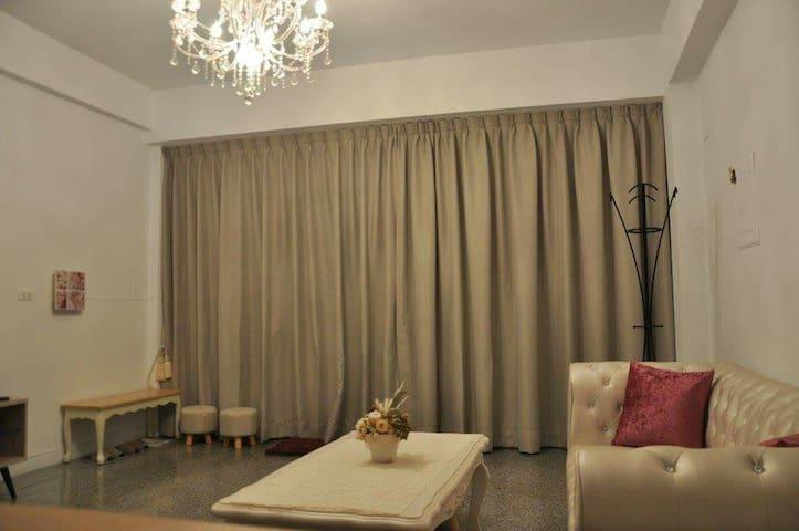 法蕾洋房-2-6人包棟 獨立 乾淨舒服溫馨的私人空間