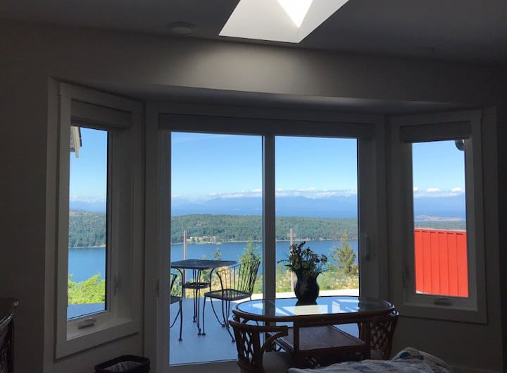 Guest Suite @the Lookout...with views to die for!!