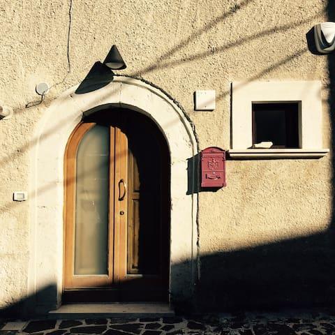 DOPPIO APPARTAMENTO DI DESIGN - Rocca di Mezzo - Apartament