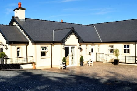 Fort Lodge Farm House, Ennis co Clare