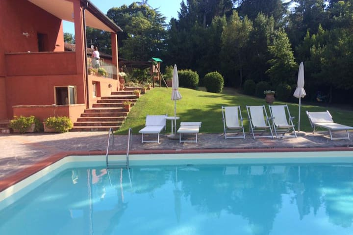 Sun-Kissed Apartment in Castelfiorentino with Swimming Pool