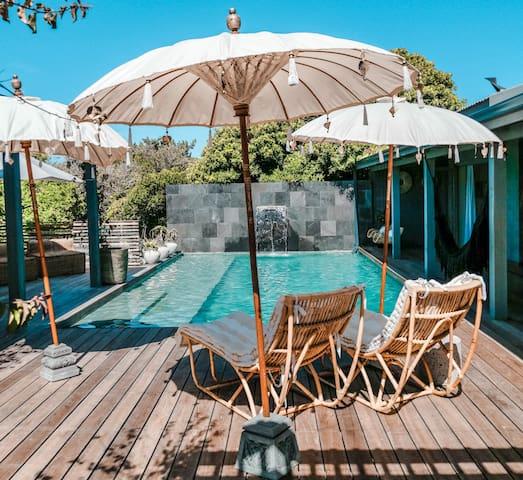 Bali style 6-bedroom house in Kommetjie